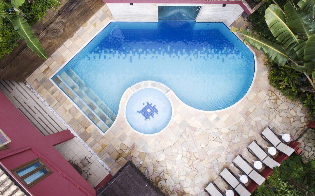 Pousada em Maresias tem piscina com água mineralizada livre de produtos químicos